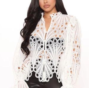 Fashion Nova NWT Crochet Lace Top sz Small